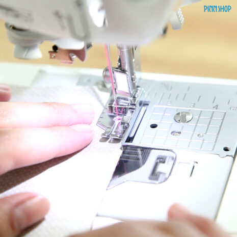 Piecing_Foot_with_Guide_BRO-ACC-F057_05